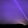 夜空にライトセーバーの光